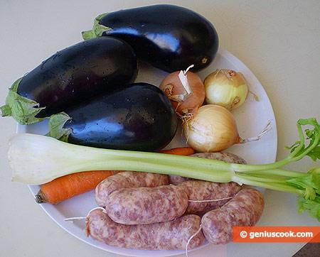Ингредиенты для баклажанов с колбасками