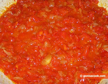Соус с помидорами и луком