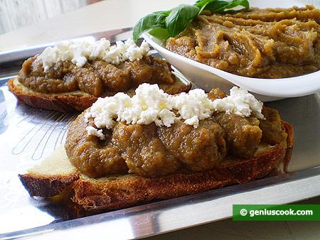 Тосты с овощной икрой и сыром