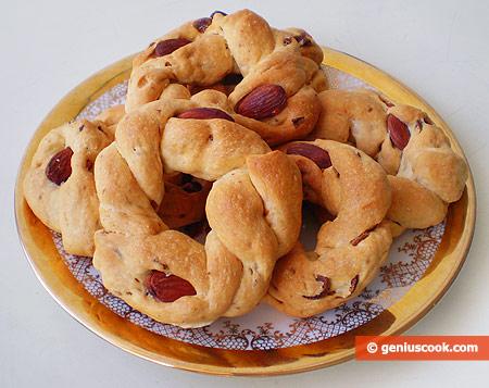 Неаполитанские таралли с перцем и миндалём