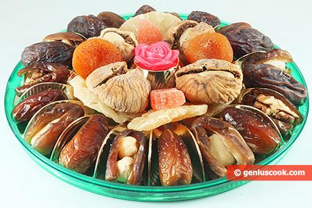 Сухофрукты фаршированные орехами