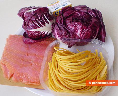 Ингредиенты для пасты с радиккьо и лососем