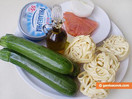 Ингредиенты для пасты с цуккини и лососем