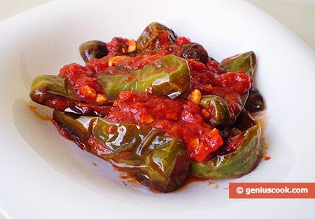 Неаполитанские жареные перчики в томатном соусе