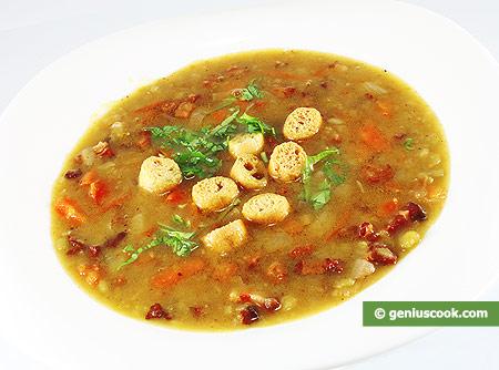 Гороховый суп с копчёной грудинкой
