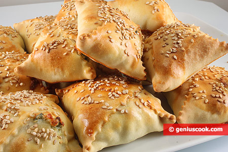 Критские пирожки Калицунья с сыром и зеленью
