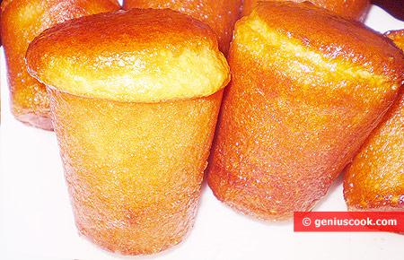 Смоченные в сиропе кексы