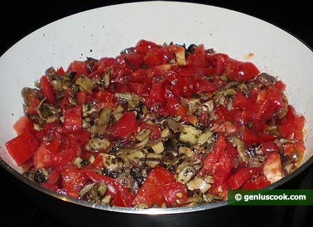 И наконец, добавлены помидоры