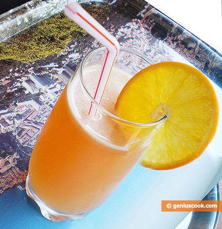 Апельсиновый коктейль с кленовым сиропом