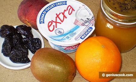 Ингредиенты для йогурта с фруктами