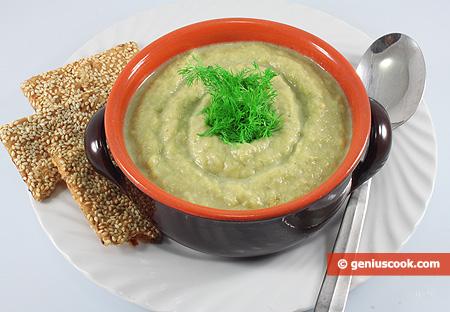 Суп-пюре из цветной капусты с луком пореем