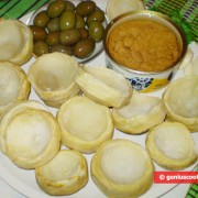 Ингредиенты для артишоков с тунцом и оливками
