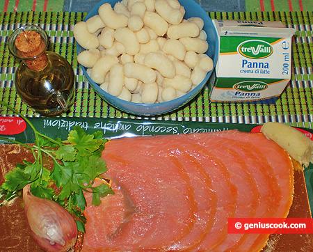 Ингредиенты для ньокки с лососем в соусе