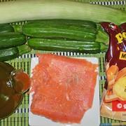 Ингредиенты для поленты с лососем, цуккини и пореем