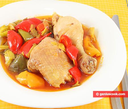 Куриные окорочка тушёные с оливками и перцем