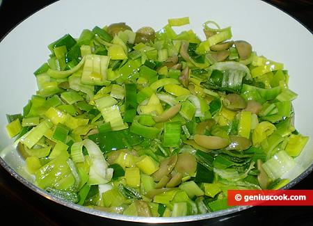 Как приготовить салат из отварных яиц и зеленого лука