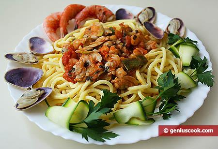 Паста трокколи с моллюсками и креветками