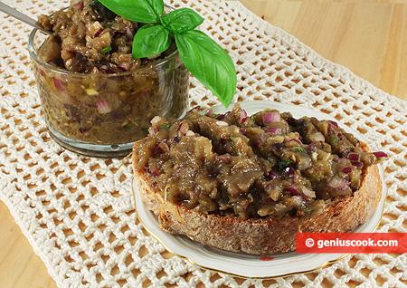 Икра из баклажанов с каперсами и оливками