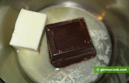 Шоколад растапливаем с маслом