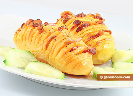 Картофель запечённый с панчеттой и чесноком