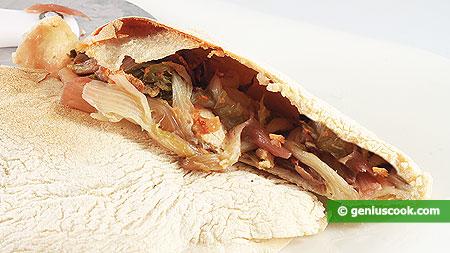 Пицца Кальцоне в разрезе