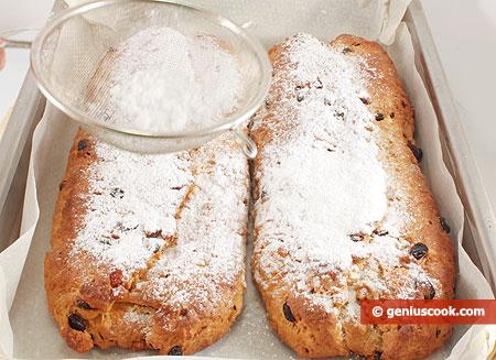 Посыпаны сахарной пудрой
