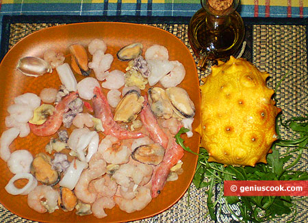Ингредиенты для морского салата с кивано