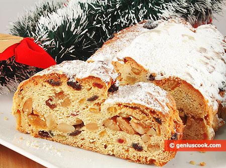 Рождественский Миндальный Штоллен