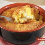 Картофельная запеканка с моцареллой в горшочках