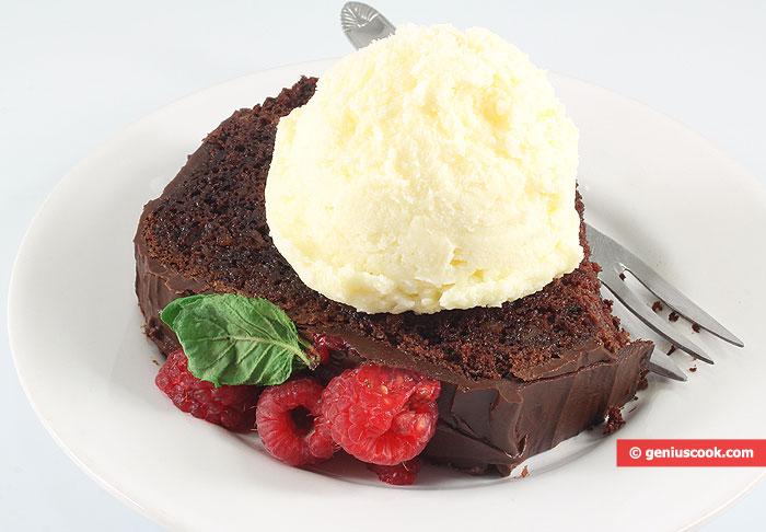 Шоколадный Кекс с Малиной и мороженым
