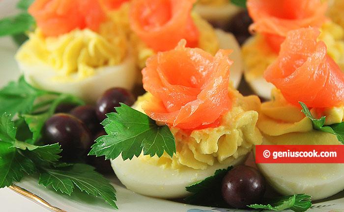 Яйца Фаршированные Сыром и Лососем
