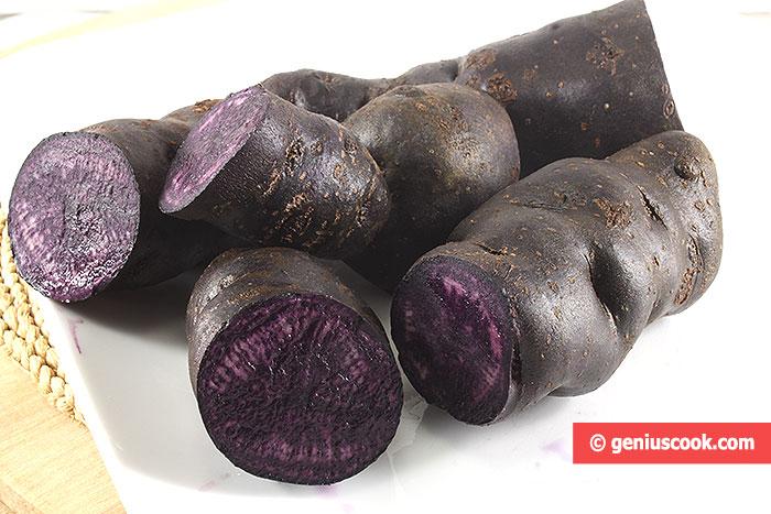 Фиолетовый картофель, с таким же цветом мякоти