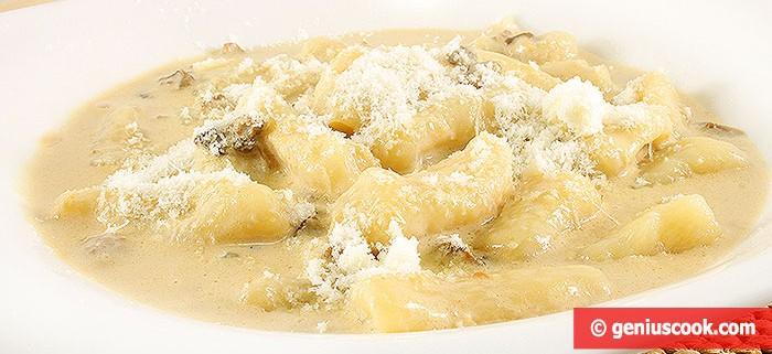 Картофельные ньокки в сливочно-грибном соусе